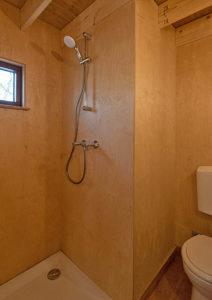 douche in klein huisje