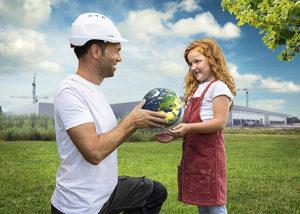 ma met wereldbol en meisje
